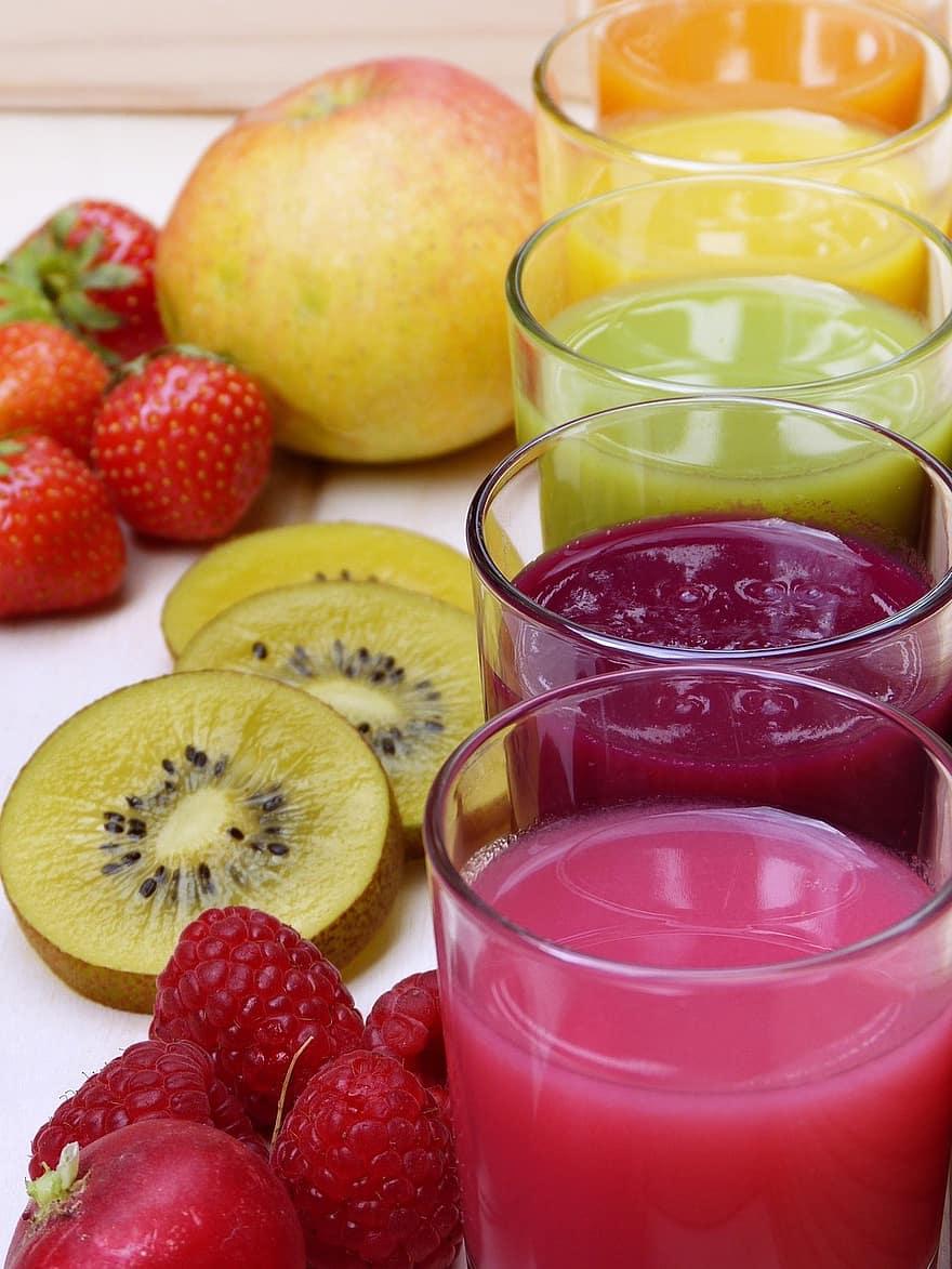 friss méregtelenítő gyümölcslevek