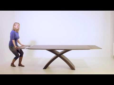 parazita az asztalon